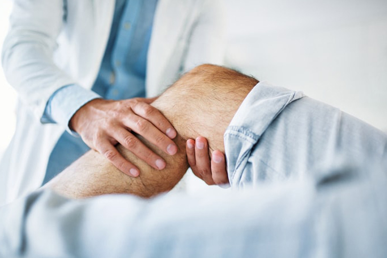 knee cap pain or patella dislocation